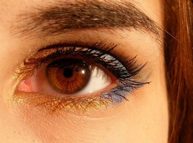 การใช้ยาหยอดตา ยาป้ายตาที่ถูกต้อง