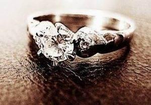 แหวนเพชร หนามเตย
