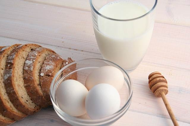 ไข่กับนม