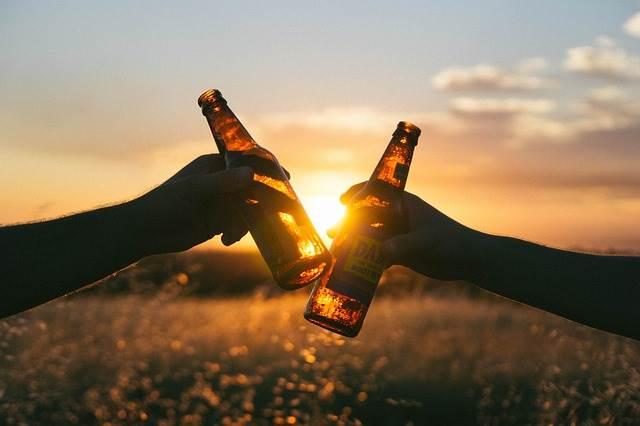 ดื่มเครื่องดื่มแอลกอฮอล์ สุขภาพ