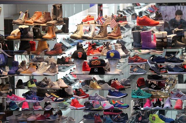 การเลือกซื้อรองเท้า